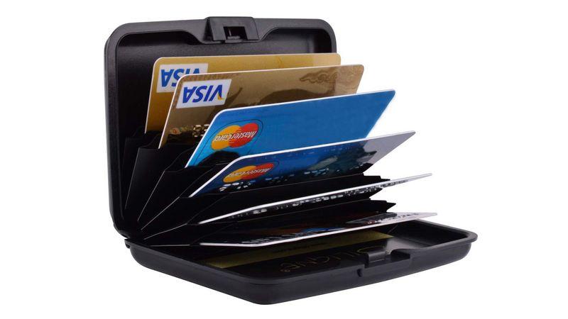 Один счет для нескольких банковских карт